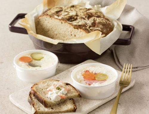 Selbst gebackenes Brot mit Gabelbissen